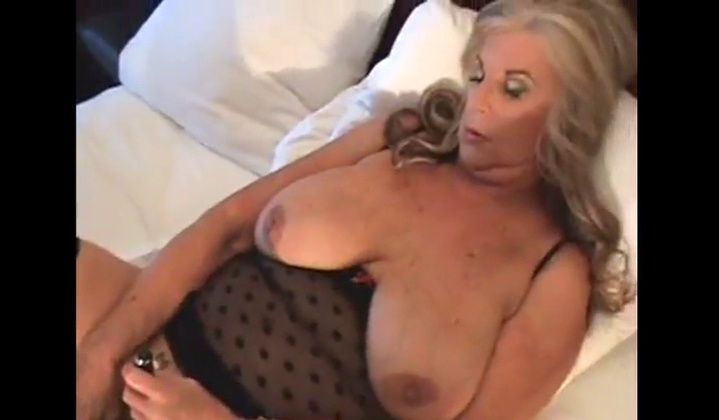 Blowjob - Granny Anneke Nordstrum